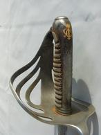 Beau Sabre Fantaisie D'officier D'infanterie Lame Gravée - Knives/Swords
