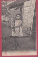 CAMBODGE----PHNOM-PENH----Jeune Mère Et Son Enfant--beau Plan - Cambodia