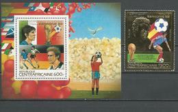 CENTRAFRIQUE  Scott 584H, 584I Yvert BF67, PA287 ** (1+bloc) Cote 40,50 $ 1983 - Centrafricaine (République)