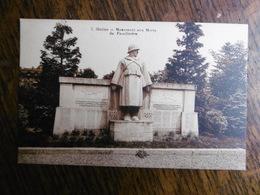 D 02 - Guise - Monument Aux Morts Du Familistère - Guise