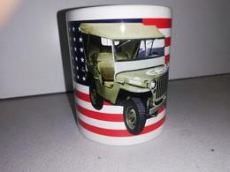 TASSE Ceramique MUG COFFEE NOEL JEEP US FLAG WILLYS MB FORD GPW HOTCHKISS M201 - Véhicules