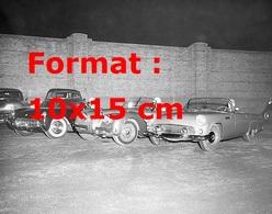 Reproduction D'une Photographie Ancienne De Trois Jaguar En Lignes Pour Le Départ D'une Course En 1954 - Reproductions