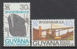 PAIRE NEUVE DU GUYANA - CINQUANTENAIRE DE L'ORGANISATION INTERNATIONALE DU TRAVAIL N° Y&T 336/337 - ILO