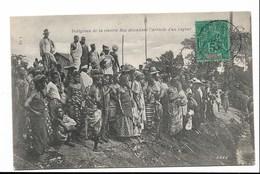 COTE D'IVOIRE - Indigènes De La Rivière Bia Attendant L'arrivée Du Vapeur - CPA En PE ( Vois Scans) - Ivory Coast