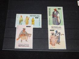 Senegal - 1985 Costumes MNH__(TH-2984) - Senegal (1960-...)