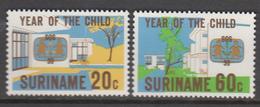 Suriname MNH Zonnebloem Nr 183/84 From 1979 / Catw 1.25 EUR - Suriname
