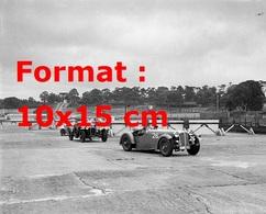 Reproduction D'une Photographie Ancienne D'une Alfa Romeo 2600S Cc, Atalanta 1939 4279 Cc Et Une Jaguar SS 2664 Cc 1939 - Reproductions