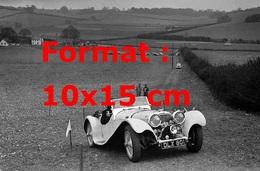 Reproduction D'une Photographie Ancienne D'une Jaguar SS 100 2663 Cc En Course En 1938 - Reproductions