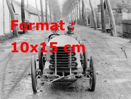 Reproduction D'une Photographie Ancienne De Lorraine Barrow Au Volant D'une De Dietrich Pendant Une Course En 1903 - Reproductions