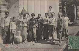 ASIE ASIA INDOCHINE CAMBODGE COLONIES FRANCAISES PHNOM PENH  PNOM PENH DOMESTICITE DU PALAIS FEMMES édit DIEULEFILS - Cambodia