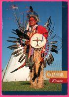 Plains Indian In Warrior Regalia - Oklahoma Pride - Photo JOHN SOUTHEM - Etats-Unis