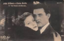 """0283 """" JOHN GILBERT E GRETA GARBO NEL FILM LA CARNE E IL DIAVOLO """" .- CART. ORIG.  NON. SPED. - Artisti"""