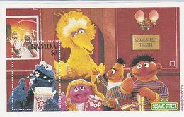 Samoa SG 1069 2000 Sesame Street Souvenir Sheet - Samoa