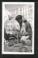 AK Bangladesch, Junger Schuhmacher - Ansichtskarten