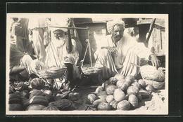 AK Pakistan, Arabischer Händler Mit Früchten - Ansichtskarten