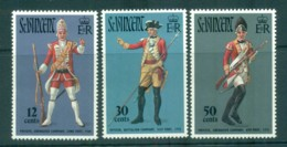 St Vincent 1971 Grenadier Uniforms MUH Lot72709 - St.Vincent (1979-...)