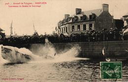 BARFLEUR -50- LANCEMENT DU BATEAU DE SAUVETAGE - Barfleur
