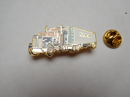 Superbe Pin's En EGF , Transport Camion Trucks US Peterbilt , N.A.M - Transportation
