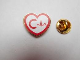 Beau Pin's En EGF , Médical , Cœur , Cardiologie - Medical
