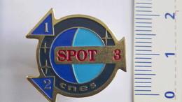PIN'S SATELLITE SPOT 3 - Space