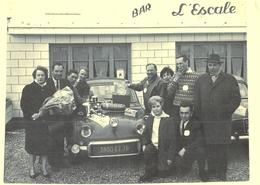 Photo Ancienne Bar L'Escale Lefebvre. Pilote Rallye Monthléry Gisors 1962 Eure écurie Normandie Automobile Blain Morel - Automobili