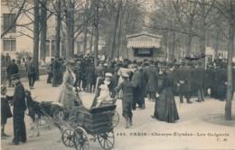H195 - PARIS - Champs-Elysées - Les Guignols - District 08