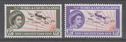 PAIRE NEUVE DE TURKS ET CAIQUES - NOUVELLE CONSTITUTION N° Y&T 177/178 - Turks & Caicos (I. Turques Et Caïques)