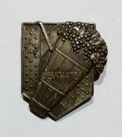 SVIZZERA / SUISSE / SWITZERLAND - NEUCHATEL Fête Des Vendanges / Epingle - Spilla - Pin (26x20mm) - Pin's