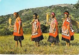 Afrique  SWAZILAND Married Women Going To Traditional Dance ETAT = Voir Description (Honey Photo Brits H.H 70*PRIX FIXE - Swaziland
