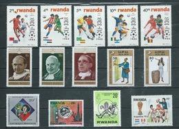 RWANDA  14 Timbres Neufs - Rwanda
