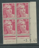 France N° 712 XX Marianne Gandon 1 F. 50 Rose Carminé En Bloc De 4 Coin Daté Du 3 . 1 . 45 , Sans  Pt Blanc Sans Ch., TB - Coins Datés