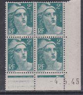 France N° 713 XX Marianne Gandon  2 F.  Vert En Bloc De 4 Coin Daté Du 4 . 5 . 45 , 1 Pt Blanc, Sans Charnière, TB - Coins Datés