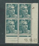 France N° 713 XX Marianne Gandon  2 F.  Vert En Bloc De 4 Coin Daté Du 15 . 10 . 45 , 1  Point Blanc Sans Ch., TB - Coins Datés