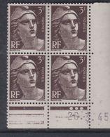 France N° 715 XX Marianne Gandon  3 F. Brun Foncé En Bloc De 4 Coin Daté Du  26 . 3 . 45 , 3 Points Blancs Sans Ch., TB - Coins Datés