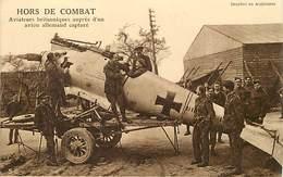 Themes Div- Ref Z 76- Guerre 1914-18- Avions - Aviation - Avion Hors De Combat -aviateurs Britanniques -avion Allemand - - Guerra 1914-18