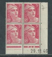 France N° 716 XX Marianne De Gandon  3 F. Rose En Bloc De 4 Coin Daté Du  29 . 11 . 46 , 3 Points Blancs Sans Ch., TB - Coins Datés