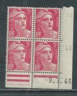France N° 716 XX Marianne De Gandon  3 F. Rose En Bloc De 4 Coin Daté Du  9 . 7 . 46 , Sans Point Blanc Sans Ch., TB - Coins Datés