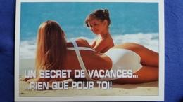 CPM PIN UP FEMME EN MAILLOT DE BAIN ALLONGEE SABLE MER VACANCES ED AS PHOTO HEDI TAHAR WALLIS - Pin-Ups