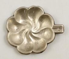 Ezüst(Ag) Virág Alakú Tálka, Jelzett, Gravírozott évszámmal, 11,5×9,5 Cm, Nettó: 41,6 G - Jewels & Clocks