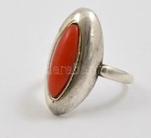 Ezüst(Ag) Gyűrű Korallal, Jelzett, Méret: 57, Bruttó: 5,3 G - Jewels & Clocks