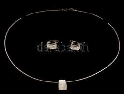 Ezüst(Ag) Nyaklánc, Apró Kövekkel Díszített Függővel, Hozzáillő Fülbevalóval, Jelzett, Bruttó: 16,1 G - Jewels & Clocks