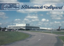 Bismark North Dakota, Bismark Municipal Airport C2000s/10s Vintage Postcard - Aerodromi
