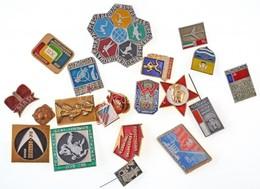 20db-os Vegyes Külföldi Jelvény és Kitűző Tétel, Főleg A Szocializmus Időszakából T:vegyes - Coins & Banknotes