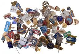 ~90db-os Vegyes Külföldi, Repüléssel Kapcsolatos Jelvény és Kitűző T:vegyes ~90pcs Of Various Aviation Themed Badges And - Coins & Banknotes