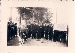 Foto Photo (7 X 10 Cm) Roger Laloy Fauvillers Procession Cortège Fête Fin De La Guerre ? Einde Oorlog Stoet - Fauvillers