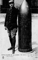 ¤ Trophées De Guerre Pris Aux Allemands - Obus De 420 Mm (provient D 'un Carnet) - Guerra 1914-18