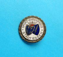 SPORT-EHRENPREIS STADT ESSEN - Germany Vintage Enamel Pin Badge Abzeichen Anstecknadel Deutschland * Football Fussball ? - Badges