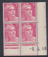 France N° 716 XX Marianne De Gandon  3 F. Rose En Bloc De 4 Coin Daté Du  6 . 4 . 46 , 1 Point Blanc Sans Ch., TB - Coins Datés
