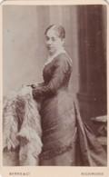 ANTIQUE CDV PHOTO. LADY WEARING LONG DRESS BY CHAIR. .  RICHMOND STUDIO - Photographs