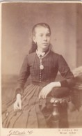 ANTIQUE CDV PHOTO - SEATED LADY . LOCKET ON CHAIN. MILE END STUDIO - Photographs